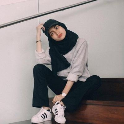 Buat Si Boyish, Ini 4 Ide Fashion Hijab yang Mewakili Gaya Kamu Banget!