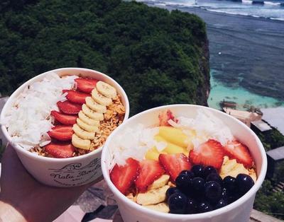 Saat Liburan ke Bali, Jangan Sampai Melewatkan Makanan yang Lagi Hits di Sana Ini!