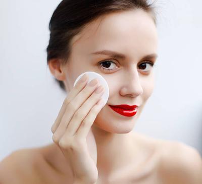 Make Over Makeup Remover, Isi Banyak Ampuh Membuat Wajah Bersih dengan Harga Murah!