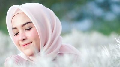 Tak Hanya Wardah, Ini Deretan Kosmetik yang Halal dan Aman untuk Wanita Muslimah!