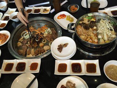 Yuraku, Restoran Kimchi dengan Suasana Ceria