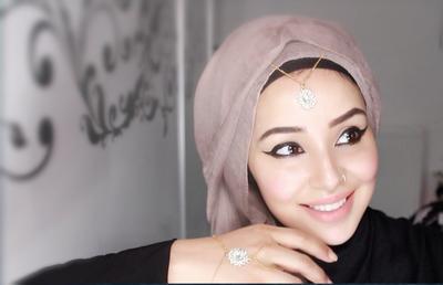 Hijabers, Inilah Ragam Headpiece Hijab yang Bisa Menyempurnakan Penampilan Cantikmu