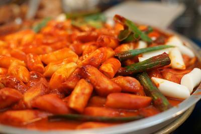Yuk, Bikin Sendiri Tteokbokki, Makanan yang Sering Dikonsumsi Pemain Drama Korea Ini!