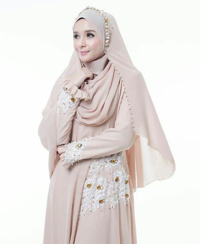 Inspirasi Gaun Pernikahan Muslimah ala Melayu