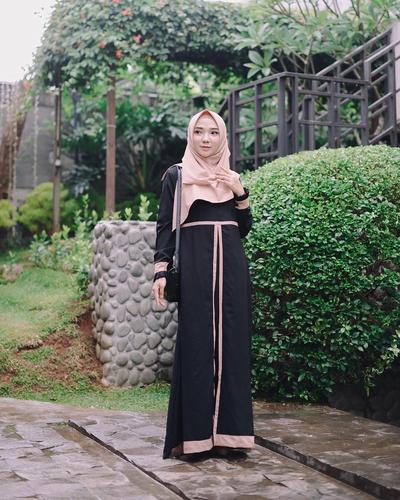 Hijab Segiempat Syar'i