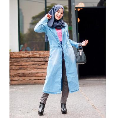 3. Catchy dengan Outerwear