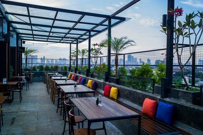 Lobbyn Sky Terrace