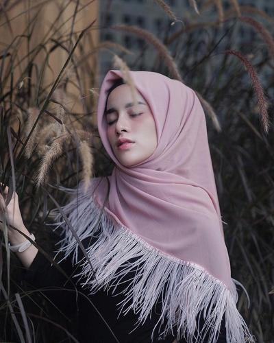 5. Fringe Hijab