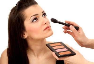 Tips Belajar Make Up untuk Pemula