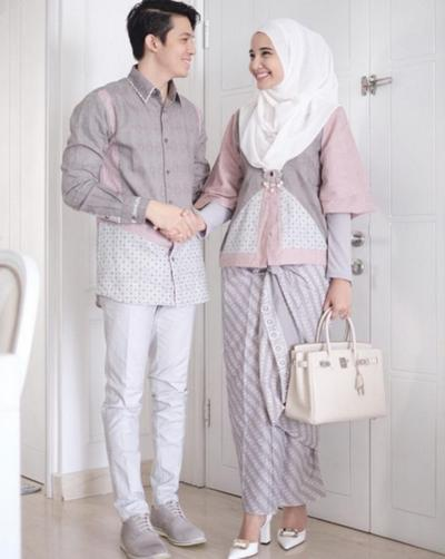 Kompak Banget Ini Inspirasi Baju Kondangan Hijab Couple