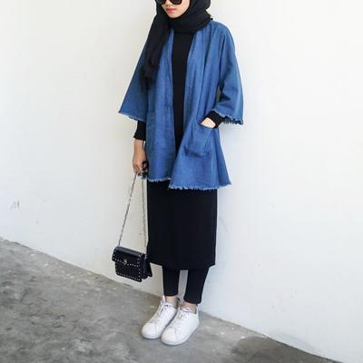 Para Selebgram Hijabers Ini Pintar Memadukan Rok Midi Jadi Outfit untuk Wanita Berhijab Lho