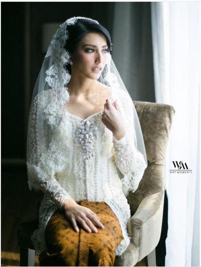 Cantiknya Kebaya Pernikahan Putih yang Modern dan Elegan Ala 3 Selebriti Tanah Air Ini