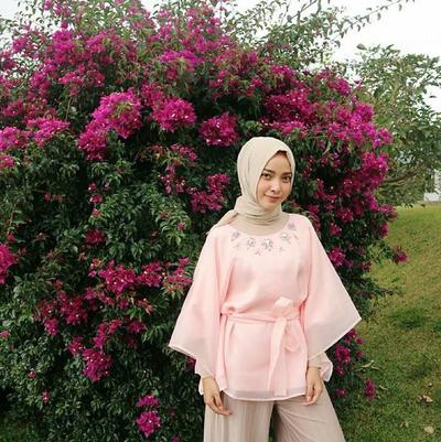 Inspirasi Atasan Organza Hijab