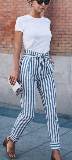 Celana Bahan  dengan Motif