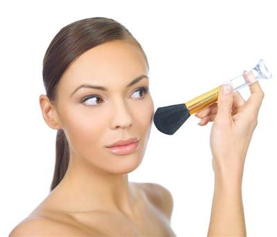 Ingin Mendapatkan Make Up Natural yang Pas? Yuk, Ikuti 5 Step Tutorial Ini, ladies!