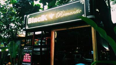 Black Romantic Cafe