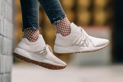 Intip Cara Para Selebgram Indonesia Memadupadankan Sneakers Putih Supaya Terlihat Keren