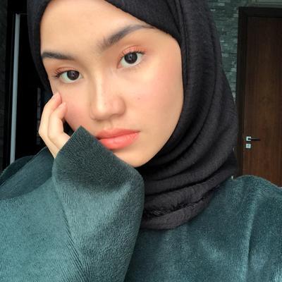 Hijabers Harus Tahu, Ini Tips Menghindari Jerawat di Wajah Saat Pakai Hijab