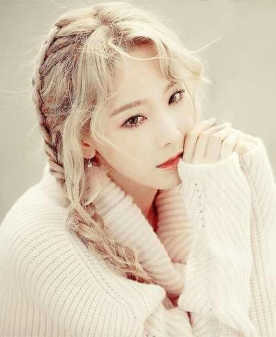 Mau Ubah Penampilan? 4 Gaya Rambut Taeyeon Ini Bisa Bikin Kamu Tampak Lebih Manis!