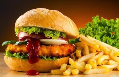 Menghindari Makanan Berlemak dan Junkfood