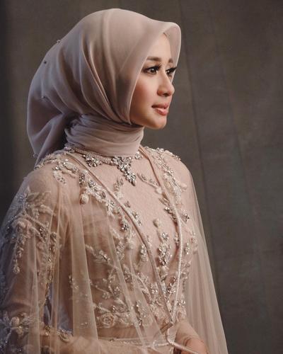Style Hijab Laudya Chintya Bella di Resepsi Kedua