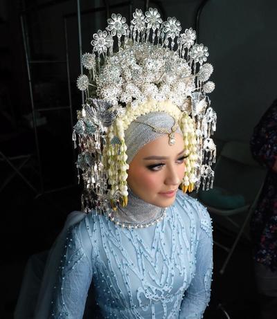 Cantik dan Elegan! Ini Dia Kreasi Gaun Pengantin Hijab Adat Padang yang Bikin Semua Terpukau!