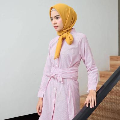 Jangan Sampai Ketinggalan! Kemeja Hijab dengan Model Kekinian Ini Harus Ada di Lemari Kamu!