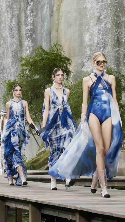 3. Dress Nuansa Aquatic