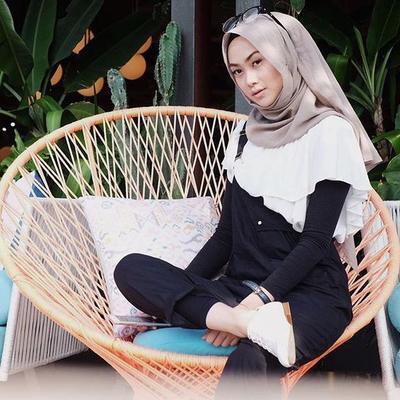 Inspirasi Model Hijab untuk Wajah Bulat
