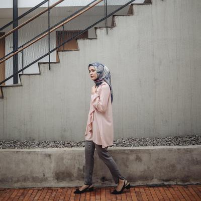 Hijab Voal dan Drapery Blouse