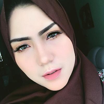 Inspirasi Make Up Hijabers Ke Kantor