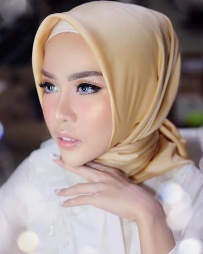 Inspirasi Make Up Hijabers Ke Pesta