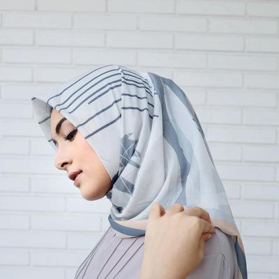 Simple Lebih Kekinian, Style Hijabers Turki Satu Ini Sangat Populer di Masa Sekarang