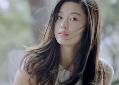 Percaya Enggak? Wajah 7 Selebriti Korea Ini Masih Saja Cantik Walau Tanpa Make Up Lho!