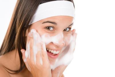 Sabun Cuci Muka Buat Kulit Kering Apa Ya Ladies?