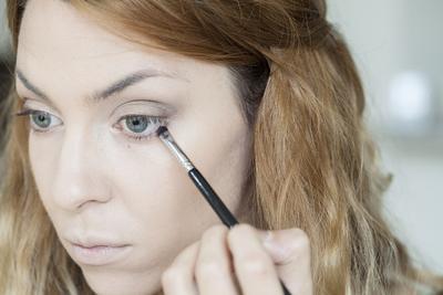 Mata Sipit Terlihat Lebih Besar, Ternyata Trik Eyeliner Ini yang Digunakan Wanita Korea!