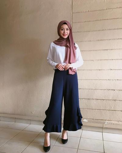 Simple Blouse with Mauve Hijab