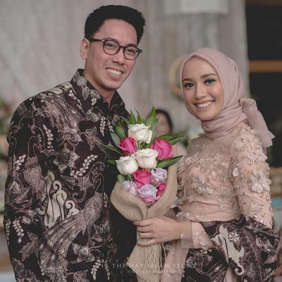 Kompak Banget! Ini Dia Tips dan Inspirasi Batik Muslim Couple dari Selebgram yang Bisa Kamu Contek!