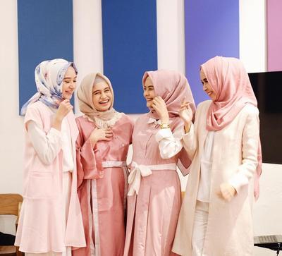 Supaya Tampil Enggak Monoton, Ini Fashion Item yang Cocok Dipadukan dengan Hijab Pastel