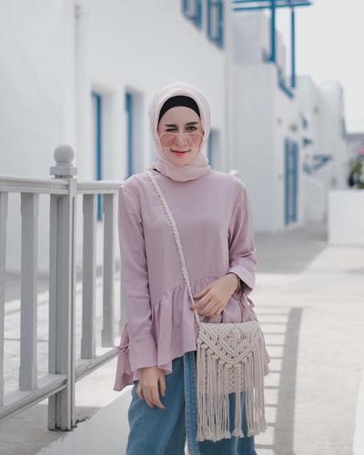 Hijab Pastel + Kacamata + Tas Rajut
