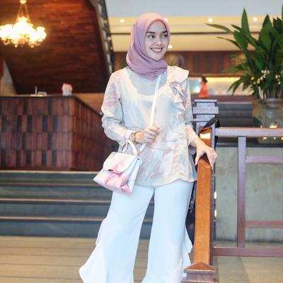 Hijab Pastel + Flare Pants