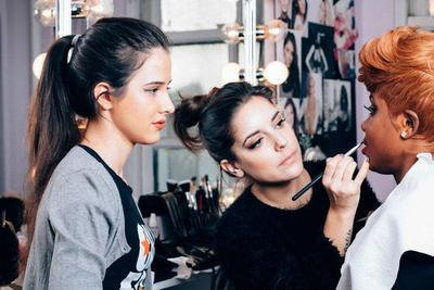 3 Pilihan Sekolah Make Up Terbaik di Indonesia yang Mampu Mendidikmu Menjadi MUA Terkenal