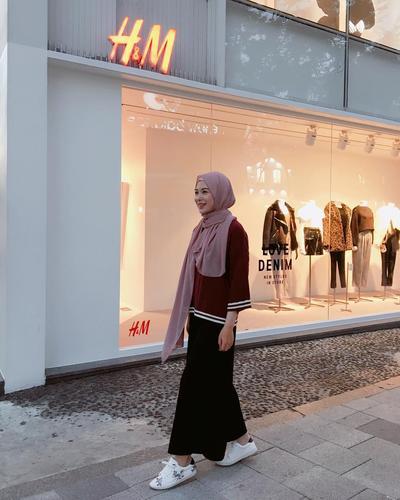 Tampil Kekinian, Padu Padan Style Hijab Korea Kekinian Ala Ayana Moon Ini Bisa Kamu Coba!