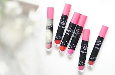 Bikin Tampilan Cantik Natural, 4 Lipstik Nude Lokal yang Lagi Hits Ini Jadi Rebutan!