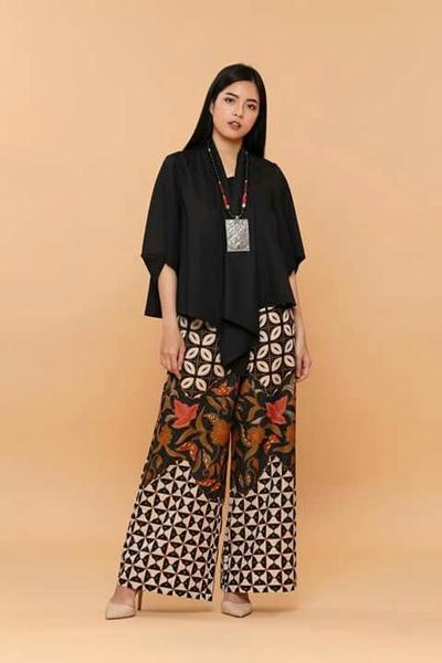 Structured Wide Leg Pants