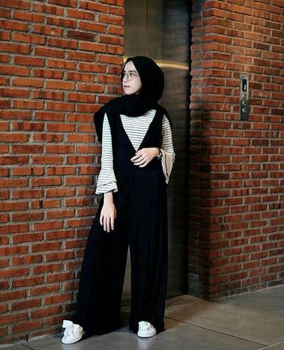 Makin Keren dan Kece, Ini Dia Padu Padan Overall Hijab yang Kekinian!