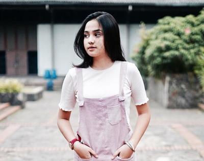 Berparas Ayu, Ini Gaya Sehari-hari Syifa Hadju, Artis Remaja yang Lagi Booming Banget