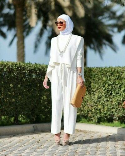 Try the All White Outfit