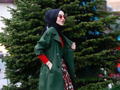 Cara Pintar Memadukan Parka dan Hijab Ini Akan Bikin Penampilan Kamu Chic Abis!