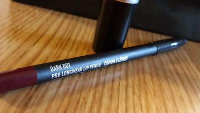 Menggunakan Lip Liner